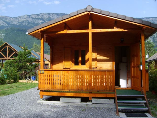 location de chalet au bord du lac d 39 annecy camping le pol. Black Bedroom Furniture Sets. Home Design Ideas