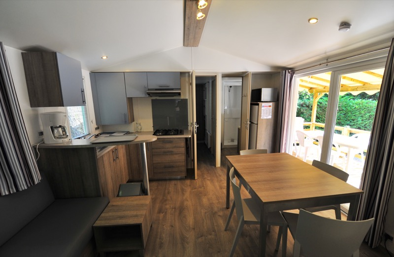 Location mobile home lac d 39 annecy camping le pol for Home salon annecy